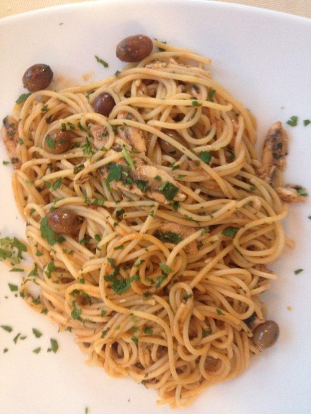 Spaghetti Acciuga (Anchovy Spaghetti) at La Marina.