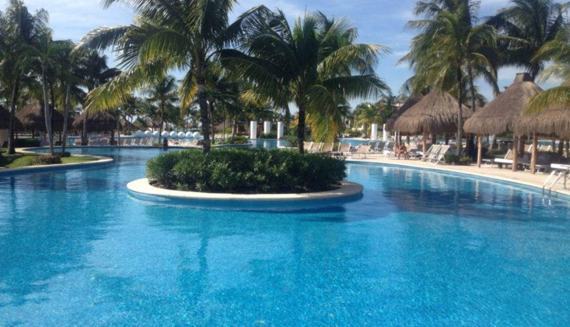 """The Grand Mayan Resort sports """"The Largest Swimming Pool in Latin America."""""""