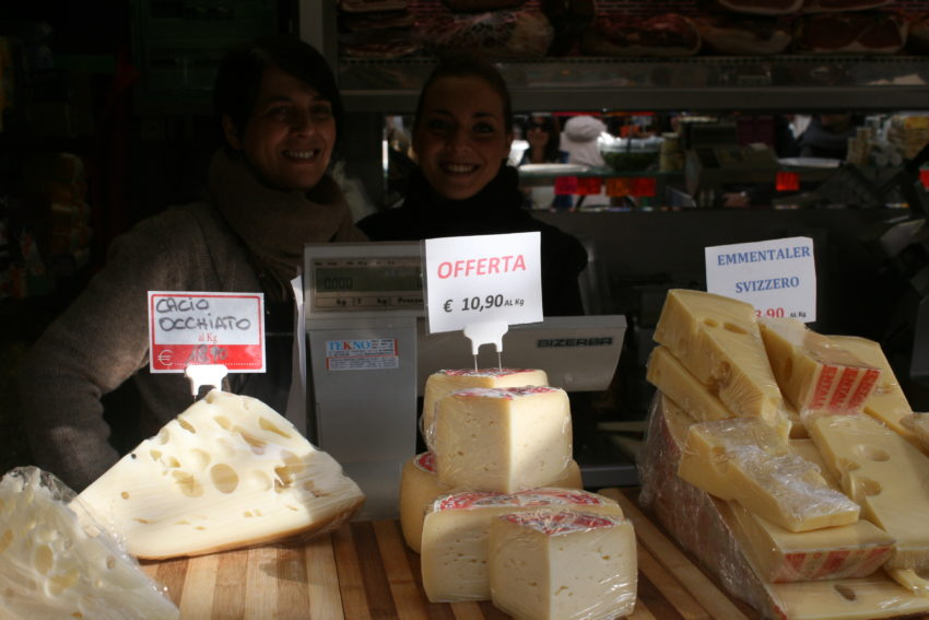 Antonella and Francesca, the mother-daughter team with killer bufala mozzarella.