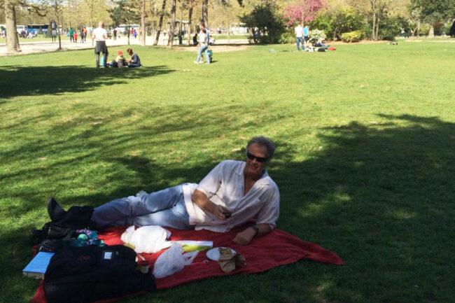 john-eiffel-picnic