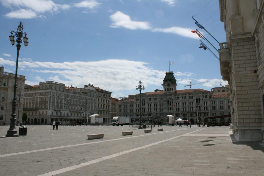 Piazza dell'Unita d'Italia, the biggest seaside piazza in Italy.