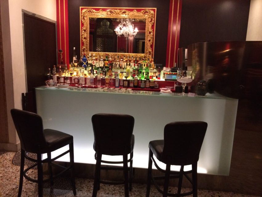 The romantic bar at the Stern Hotel.