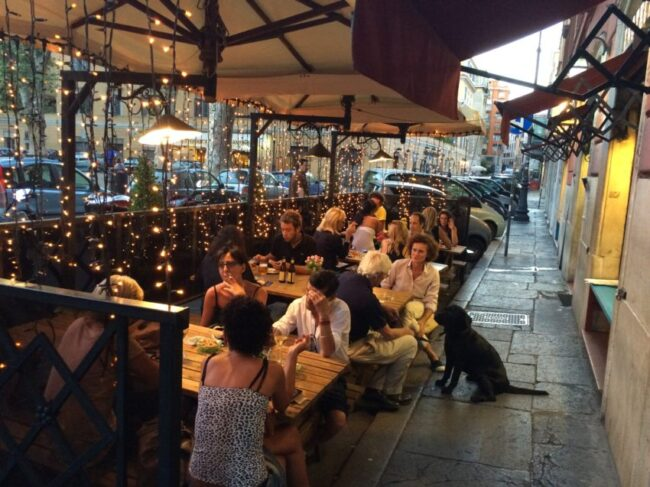 L'Oasi della Birra features 400 different beers and its 10-euro aperitivo may be the best in Rome.