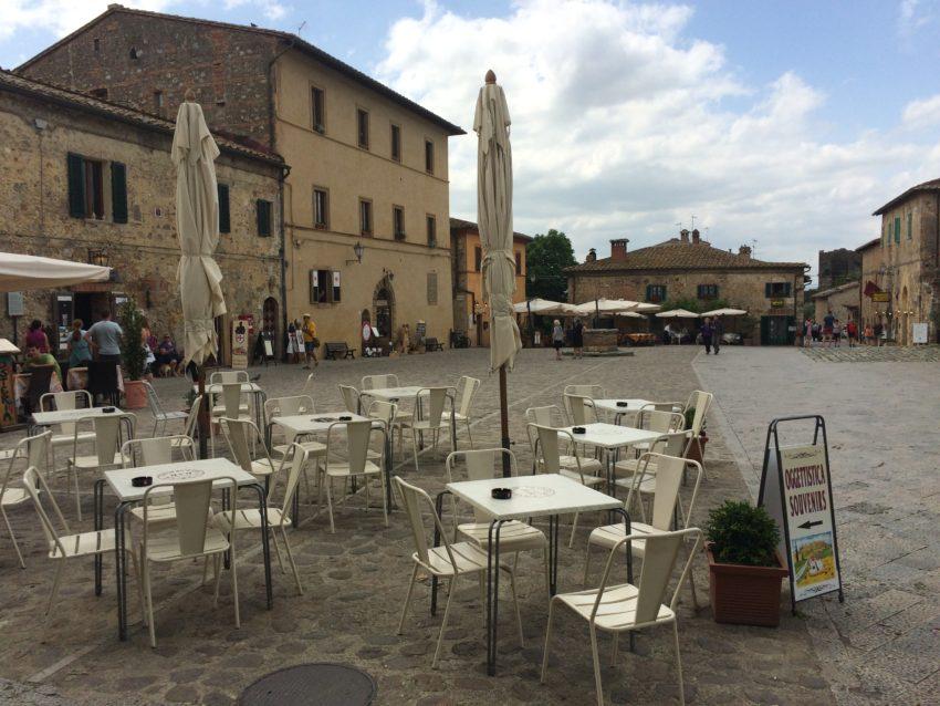 Piazza in Monteriggioni.