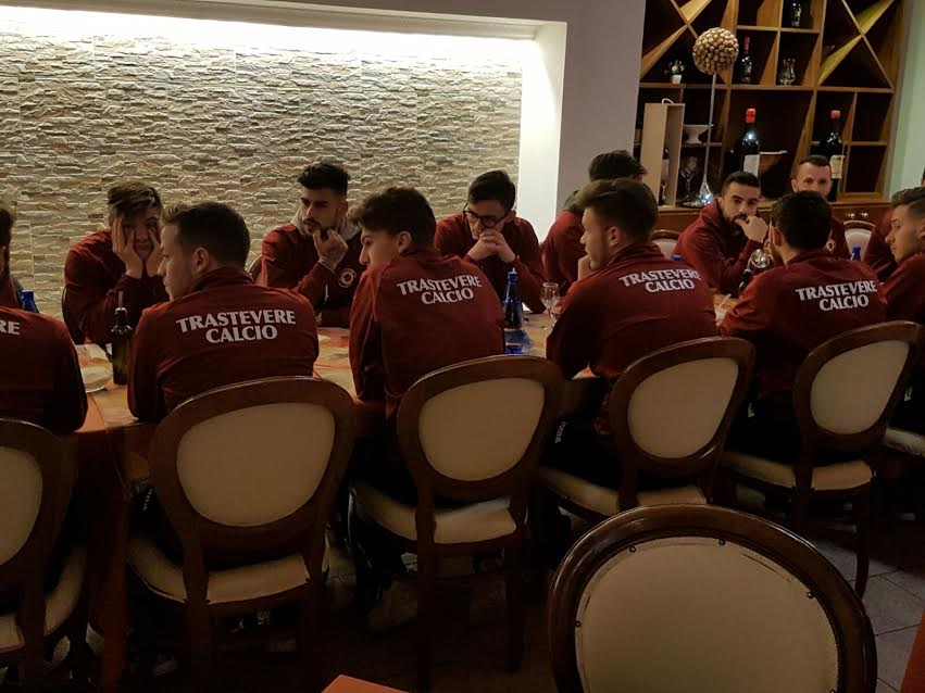 The team meal the night before the game. Photo by Alessandro Castellani