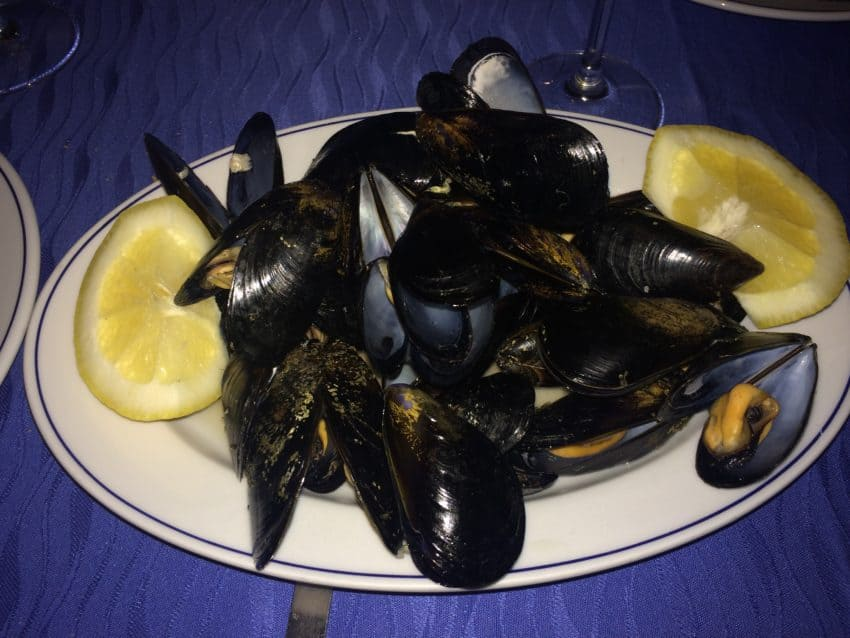 Mussels and tiramisu with lemon at La Lampara.