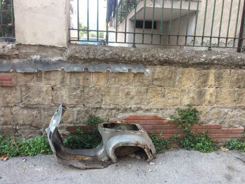 A motor scooter in Rione Luzzatti. Photo by Marina Pascucci